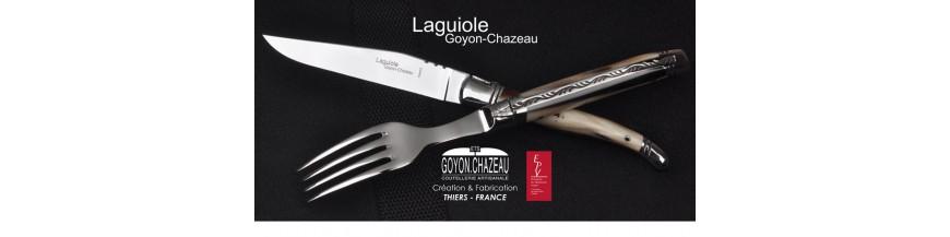 <p>Le Laguiole. Ce couteau ne se présente plus, reconnaissable à sa forme légendaire et à son style unique.</p>